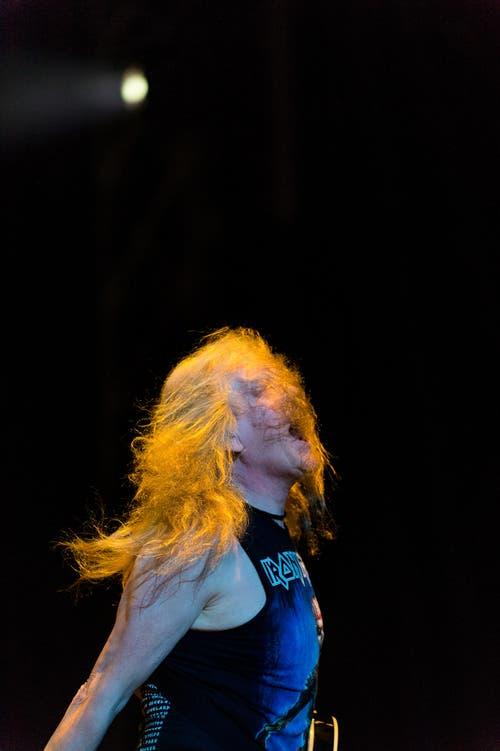 Iron Maiden aus Überzeugung: Auch als Musiker lässt sich das Shirt der Band tragen. (Bild: Roger Grütter)