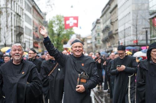 Regierungsrat Paul Winiker wirkt – und winkt – als Beichtvater. (Bild: Roger Grütter / Neue LZ)