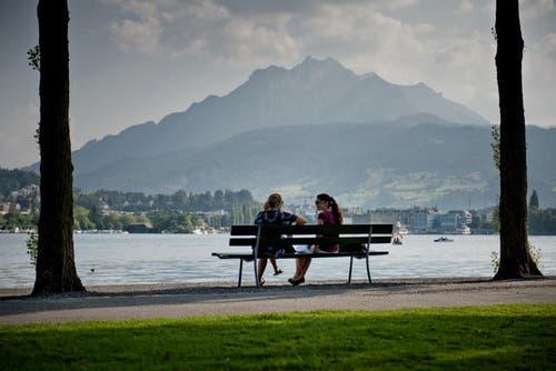 15. Juli 2013: Die Stadt Luzern will aus Spargründen Sitzbänke in Zukunft nicht mehr ersetzen. Diese News sorgten im Juli für grosse Aufregung in der Stadt. (Bild: Pius Amrein / Neue LZ)