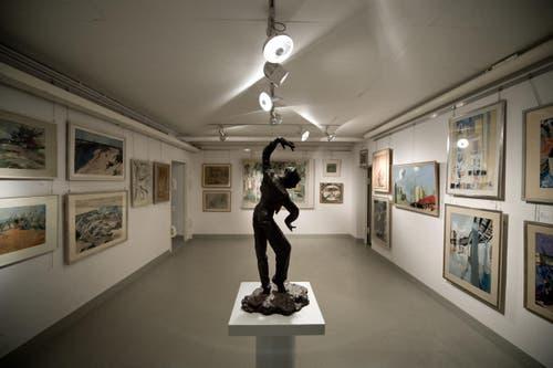 47 Künstler sind mit ihren Werken in Reiden vertreten, darunter Paolo Camenisch, Louis Moilliet, Serge Brignoni und Max Haufler. Bekanntester Künstler ist wohl Cuno Amiet, dessen Gemälde «Sommermorgen» in der Sammlung vertreten ist. (Bild: Pius Amrein / Neue LZ)