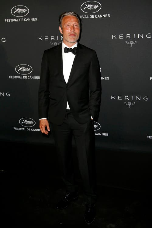 Der dänische Schauspieler Mads Mikkelsen, ein Bond-Bösewicht, scheint in Cannes die Sonne genossen zu haben. (Bild: EPA/Guillaume Horcajuelo)