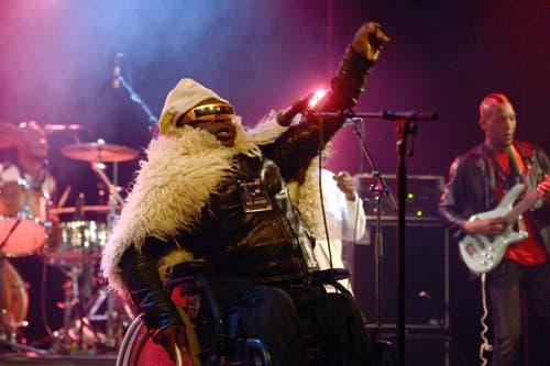 Mbongwana Star eröffnet mit seinem Konzert im Kollegium die Stanser Musiktage. (Bild: Nadia Schärli / Neue LZ)