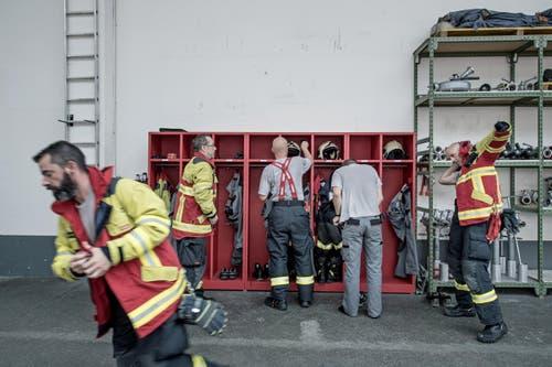 Als Ersteinsatzelement ist sie dafür zuständig, Brände zu löschen, und bietet bei Bedarf Feuerwehrleute aus dem 300-köpfigen Milizkorps auf. (Bild: Pius Amrein (Neue LZ))