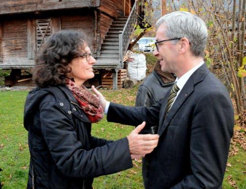 Auch SP-Kantonsrätin Ruth Koch gratuliert dem neuen Ständerat herzlich. (Bild: Romano Cuonz / Neue NZ)