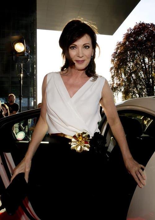 Auch Iris Berben kam nach Luzern. Sie wurde mit der «Lifetime Rose» ausgezeichnet. (Bild: Keystone/Sigi Tischler)