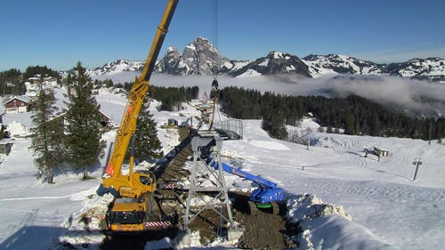 Bau der Brücke. (07.11.2014) (Bild: René Meier)