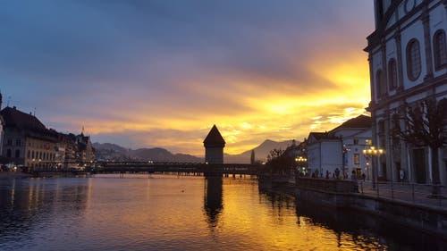 Traumhafte Morgenstimmung heute in Luzern. (Bild: Katja Imhof)