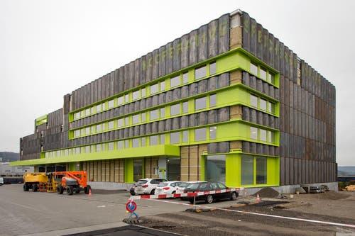Die neue Speicherbibliothek in Büron von aussen betrachtet. (Bild: Philipp Schmidli / Neue LZ)