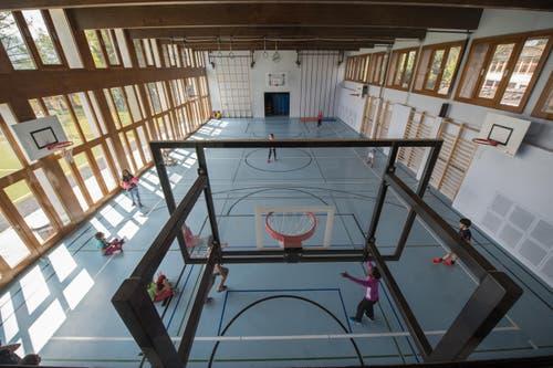 Die Sporthalle nach der Sanierung. (Bild: Dominik Wunderli / Neue LZ)