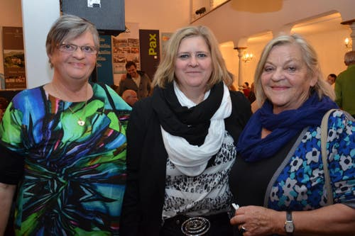 Leidenschaftliches Jass-Trio mit Trix Krummenacher, Anita und Anita Küttel (von links). (Bild: Claudia Surek)