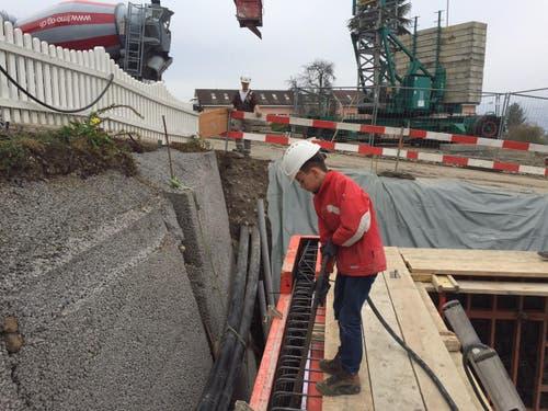 Janic Murer unterwegs auf einer Baustelle der Firma FMO Bauunternehmung in Beckenried. (Bild: Franco Murer)