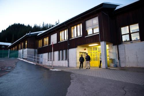 6. November: Das Bundesasylzentrum in der Truppenunterkunft Glaubenberg wurde eröffnet. Geplant war die Eröffnung eigentlich für im Sommer 2016. Aufgrund der angespannten Flüchtlingslage wurde sie aber bereits Anfang November in Betrieb genommen. (Bild: Manuela Jans- Koch / Neue LZ)