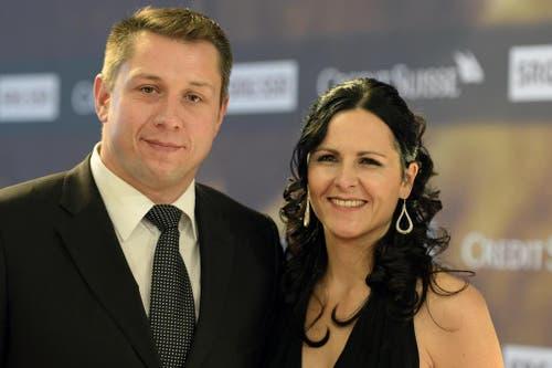 Schwingerkönig Jörg Abderhalden mit Ehefrau Andrea. (Bild: Keystone)