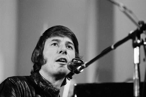Der Sänger, Pianist und Komponist Udo Juergens tritt im Jahre 1970 in Genf auf. (Bild: Keystone)