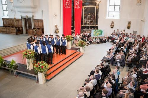Jodelvortrag in der Katholischen Kirche von Jodlerklub Edelweiss aus Ettiswil. (Bild: Manuela Jans- Koch (Neue LZ))