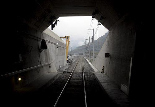 31.10.2013: Das Südportal des 57 Kilometer langen Basistunnels. (Bild: Keystone)