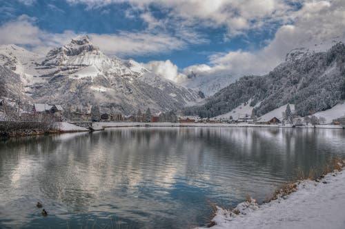 22. November: In der Zentralschweiz schneit es zum ersten Mal in dieser Saison bis ins Flachland. (Bild: Leserbild Caroline Pirskanen)