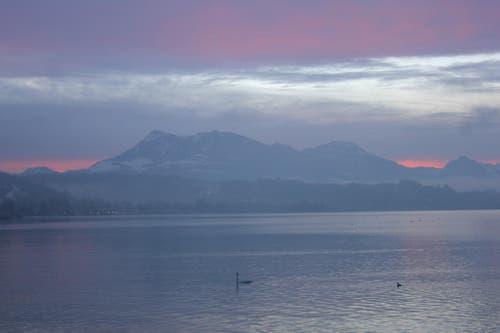 Nach der Tagwache gab es einen wunderschön mystischen Sonnenaufgang. (Bild: Stefanie Nopper / luzernerzeitung.ch)