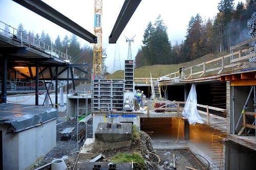 Auch die alte Talstation wird abgebrochen. (Bild: Corinne Glanzmann / Neue OZ)