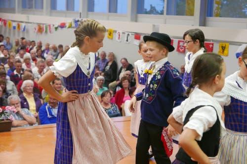 1. August: Bundesfeier in Seelisberg. Die Kindertrachtengruppe trat in der Turnhalle auf. (Bild: Christoph Näpflin / Neue UZ)