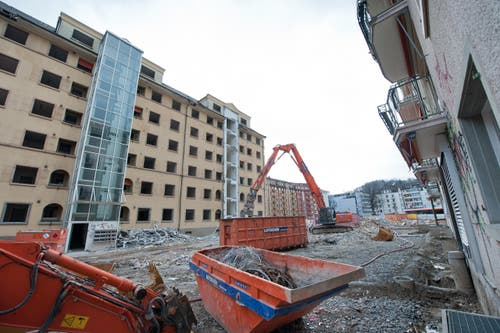 Die ABL Überbauung Himmelrich in Luzern wird abgerissen. (Bild: Dominik Wunderli / Neue LZ)