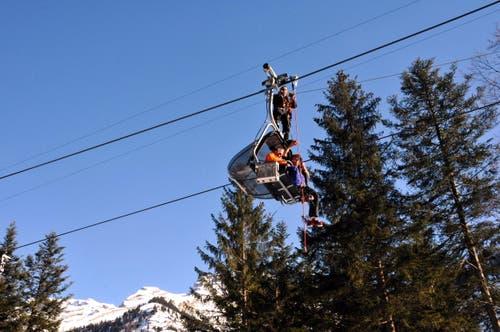 Sitztag statt Skitag. Das galt am Donnerstagnachmittag auf dem Sessellift zwischen Stöckalp und Cheselen im Skigebiet Melchsee-Frutt für 56 Sportler. (Bild: Christoph Riebli)