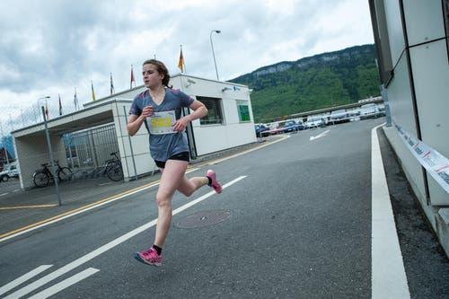 Alexandra Wallimann lief in der Kategorie Frauen Elite auf den dritten Platz. (Bild: Roger Grütter / Neue LZ)