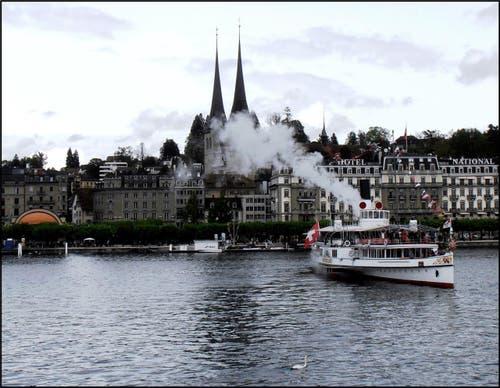 Das DS Unterwalden ist startklar für die Dampferparade. (Bild: Leserbild: Sepp Bernasconi)