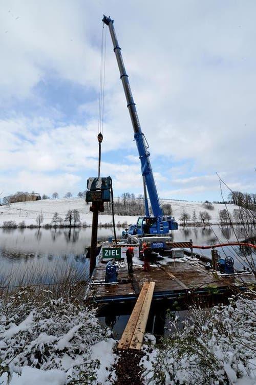 Spatenstich am Rotsee für den Bau des neuen Zielturms am 11. Dezember 2012. (Bild: Nadia Schärli / Neue LZ)