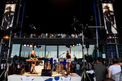 Die Band Ider auf der KKL Plaza. (Bild: Nadia Schärli/1Neue LZ)