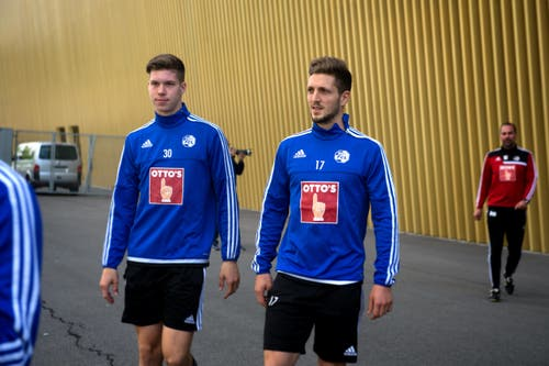 Die beiden Neuen beim FCL: Cedric Itten (links) und Simon Grether. (Bild: Nadia Schärli)