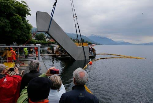 Das Kunstwerk wird am 26. Mai im See versenkt. (Bild: Stefan Kaiser / Neue ZZ)