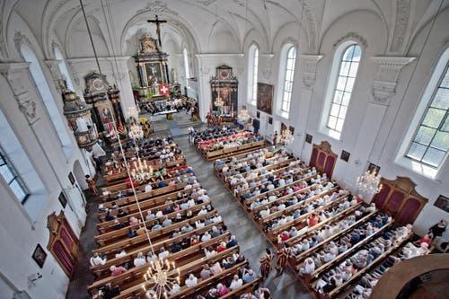 Impressionen während der Gedenkfeier in der Kirche. (Bild: Pius Amrein (Neue LZ))