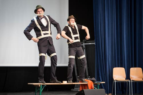Moderation des Comedy-Duos Lapsus auf der Eventbühne (Bild: Manuela Jans / Neue LZ)