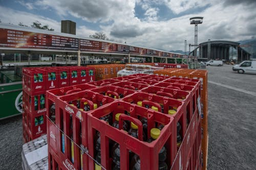"""Eindrücke der Aufbauarbeiten für das Open Air """"Allmend Rockt"""" auf der Allmend in Luzern. (Bild: Pius Amrein / Neue LZ)"""