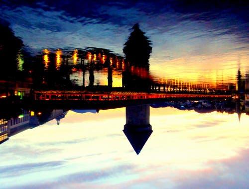 Leuchtenstadt hoch zwei (Bild: Buholzer Walter)