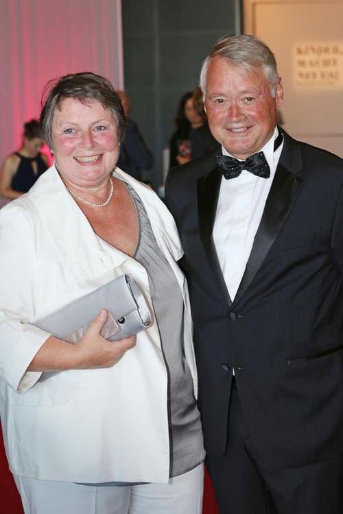 Alt Stadtpräsident Urs W Studer mit Ehefrau Susi. (Bild: Philipp Schmidli / Neue LZ)