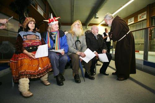 Die Luzerner Stadtoriginale mit Irma Stadelmann, Stefan Lang, Josef Bieri und Ehrenmitglied Ruedi Bürgi (von links). (Bild: Neue LZ)
