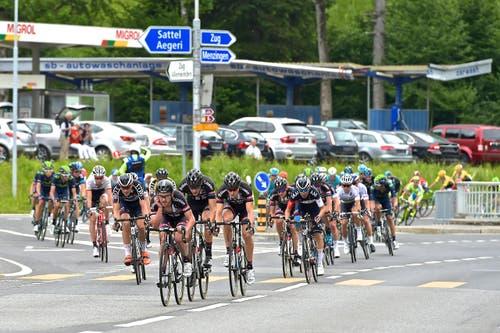 12. bis 14. Juni: Der Start der Tour de Suisse begeistert in Rotkreuz und dem ganzen Kanton Zug. (Bild: Christian H.Hildebrand / Neue ZZ)