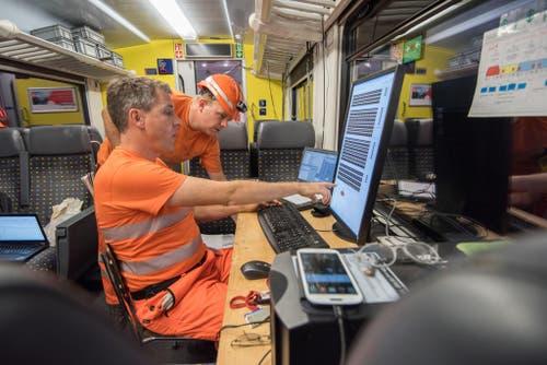 Zurzeit wird mit dem Funkmesswagen der SBB der Digitalfunk GSM-R und der Tunnelfunk getestet. (Bild: Alptransit Gotthard AG)