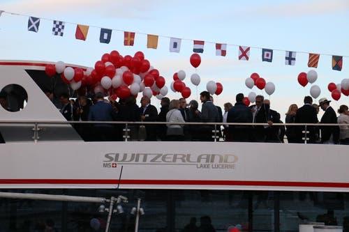 Das enthüllte Logo des neuen SNG-Flottenmitglieds. (Bild: Stefanie Nopper / Luzernerzeitung.ch)