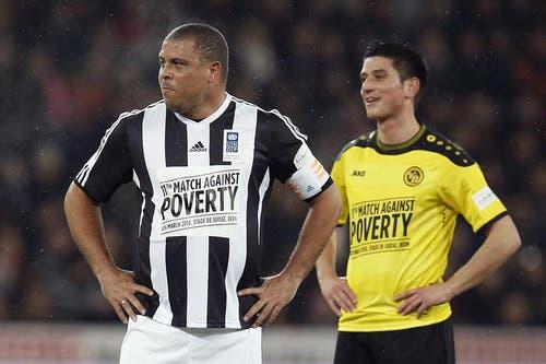 Ronaldo, links, und der Young Boy' Moreno Costanzo. (Bild: Keystone)