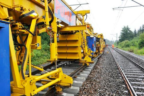 Zwischen Wauwil und Sursee werden auf einer Strecke von 7,4 Kilometern die Gleise erneuert. (Bild: Dominik Wunderli/Neue LZ)
