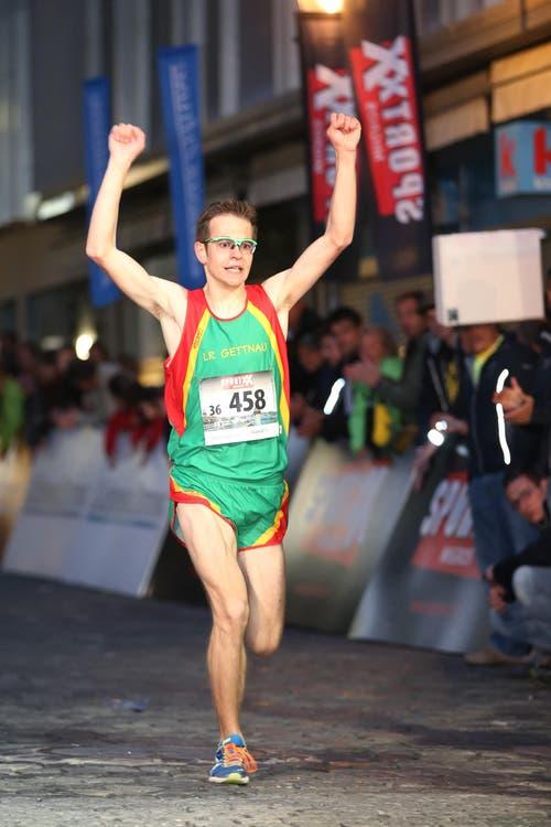 Nachwuchselite Maenner Sieger Simon Schüpbach siegt beim Nachwuchs-Eliterennen. (Bild: Philipp Schmidli)