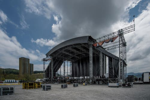 Die Bühne ist eine der drei grössten Europas und wiegt rund 320 Tonnen. (Bild: Pius Amrein / Neue LZ)