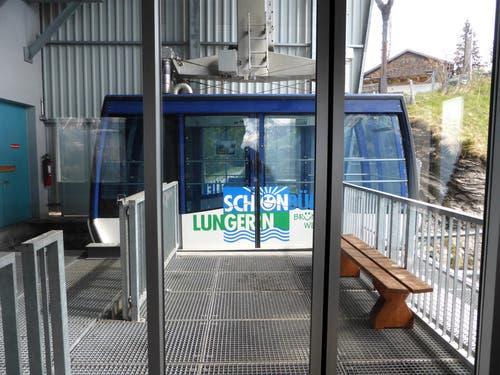 Die eingstellte Gondelbahn bei der Zwischenstation Turren. (Bild: Markus von Rotz / Neue OZ)