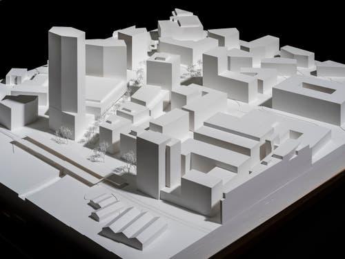 Ein Modell der geplanten Pilatus-Arena mit den Hochhäusern (links oben; Blick von Nordosten). (Bild: Modellfoto Stefano Schröter, Pilatus Arena AG)