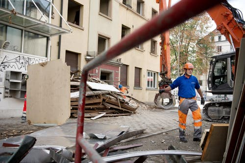 Nicht eingerechnet ist die halbe Million für die Asbestsanierung, die noch immer andauert (Bild: Corinne Glanzmann / Neue LZ)