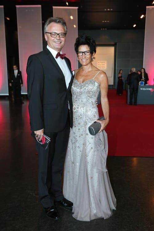 Stadtpräsident Stefan Roth mit Ehefrau Ursula. (Bild: Philipp Schmidli / Neue LZ)