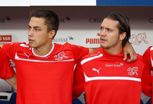 Die Luzerner im Dienste der Nationalmannschaft: Alain Wiss (links) und Adrian Winter. (Bild: Philipp Schmidli / Neue LZ)